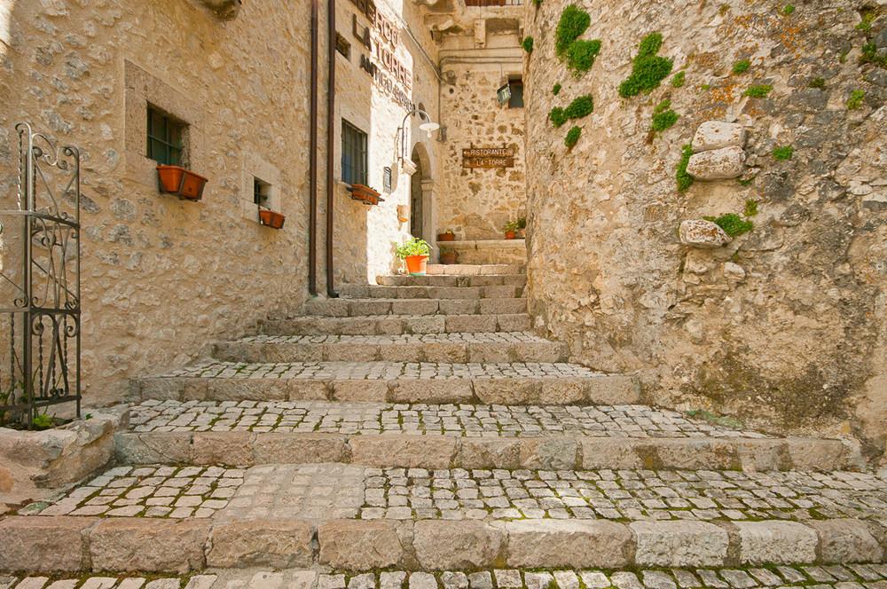 Scale nel borgo, Civitella Alfedena