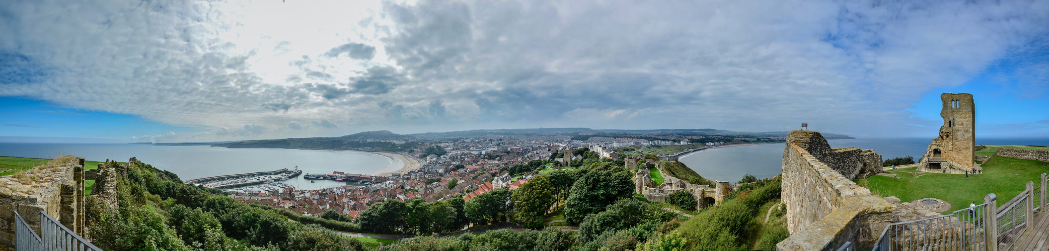 Scarborough Bay, Panorama overlooking the Castle