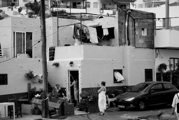 Scène de rue à La Caleta