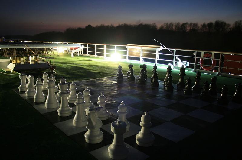 Schachspiel bei Nacht