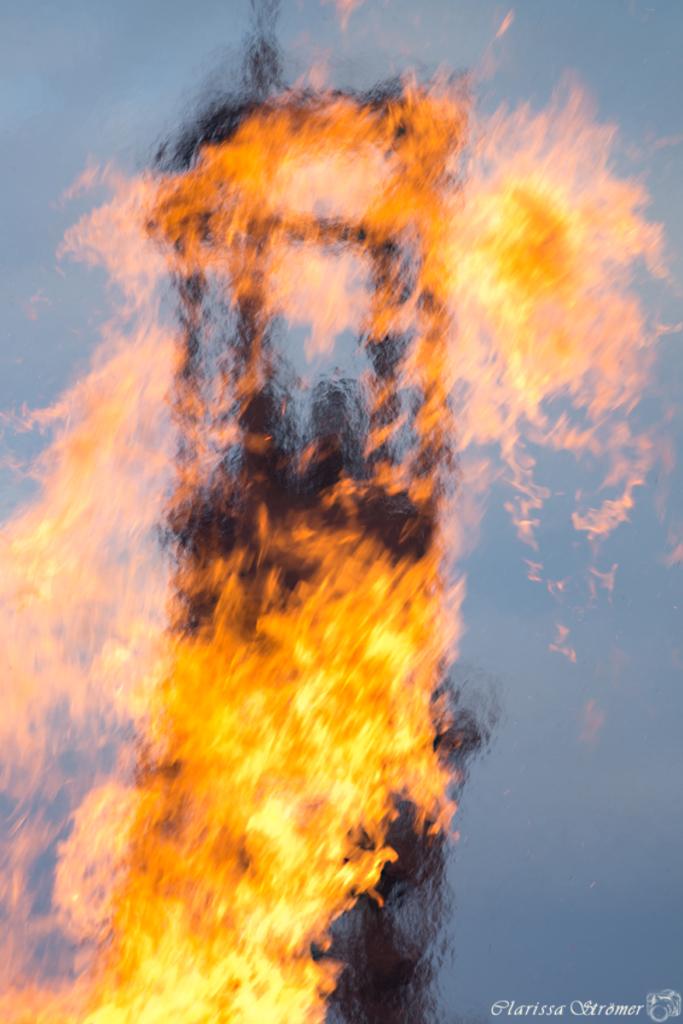 Schacht 1/2/8 in Flammen
