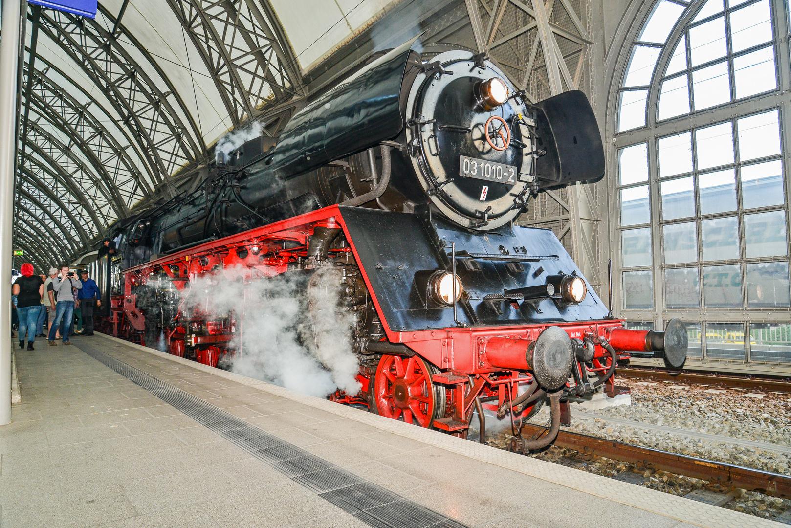 Schall und Rauch im Dresdner Hauptbahnhof