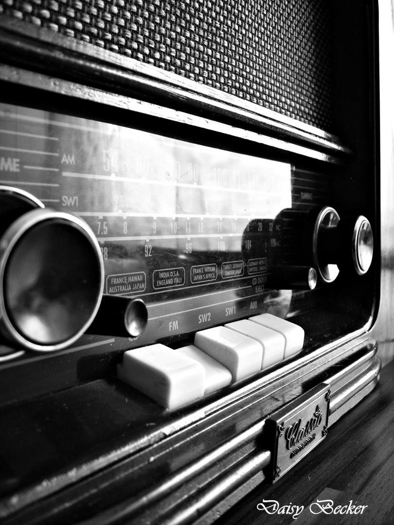 Schalt das Radio an :)