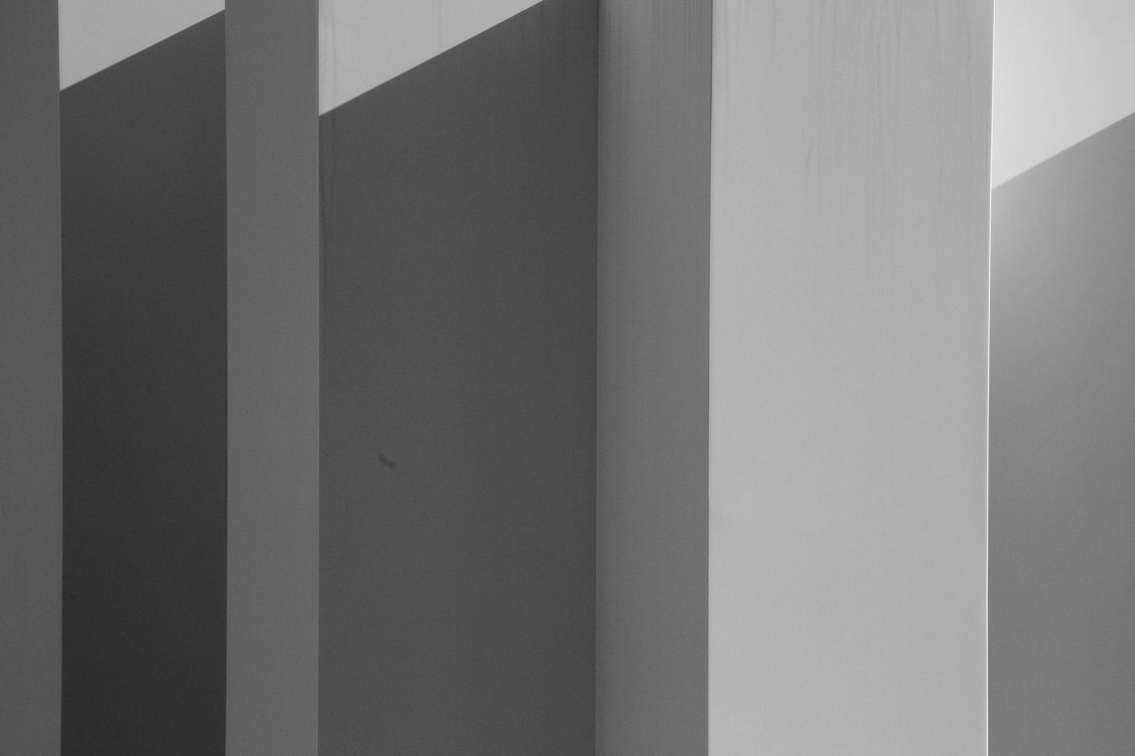 Schatten auf Betonwand III