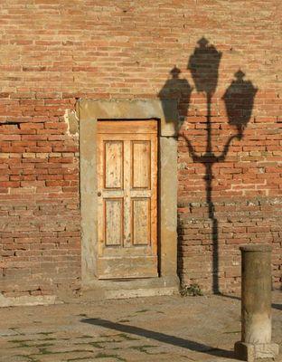 Schatten in Mondaione