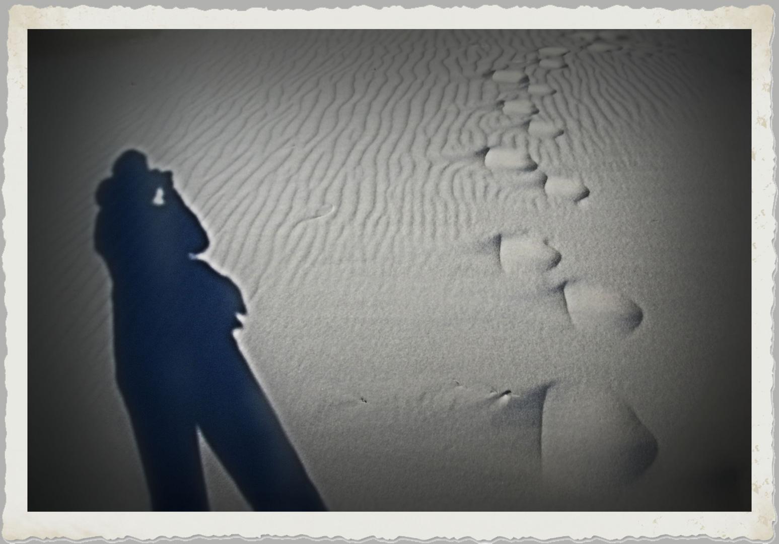 Schatten und Fußspuren...