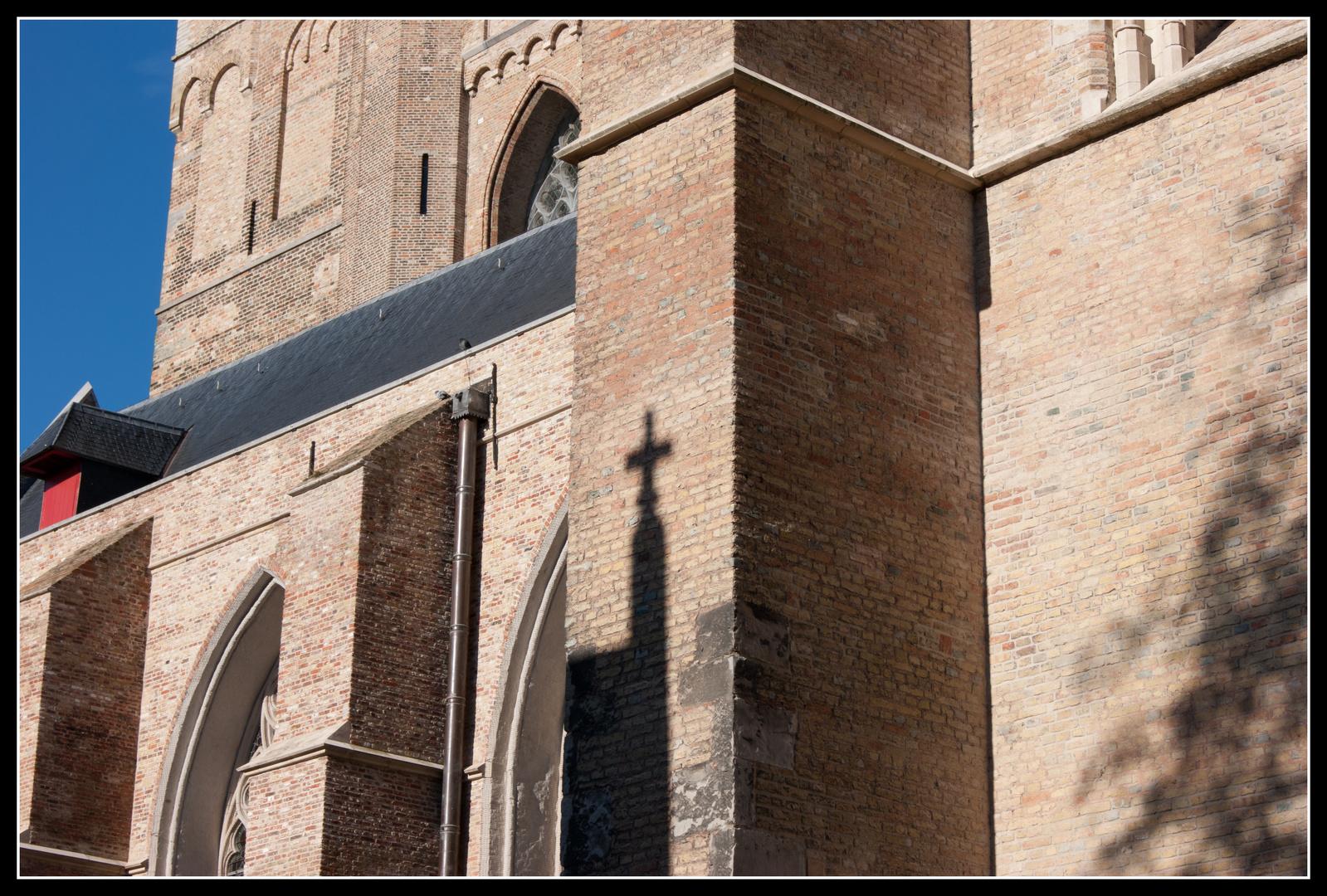 Schattenkreuz Brugge