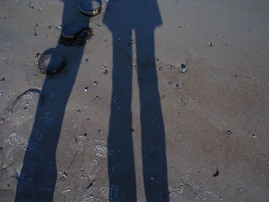 Schattenspaziergang am Strand