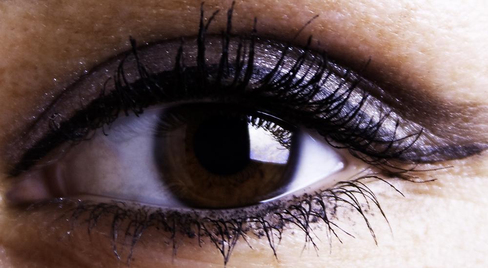 Schau mir ins Auge III