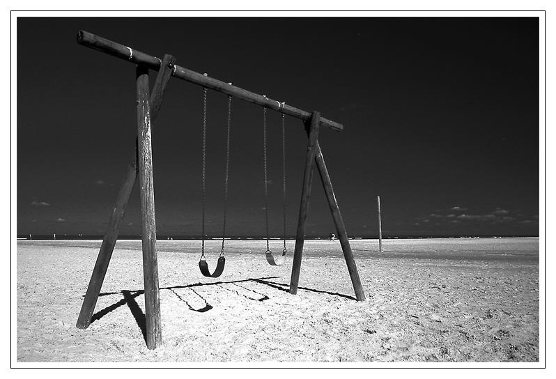 Schaukel am Strand ...