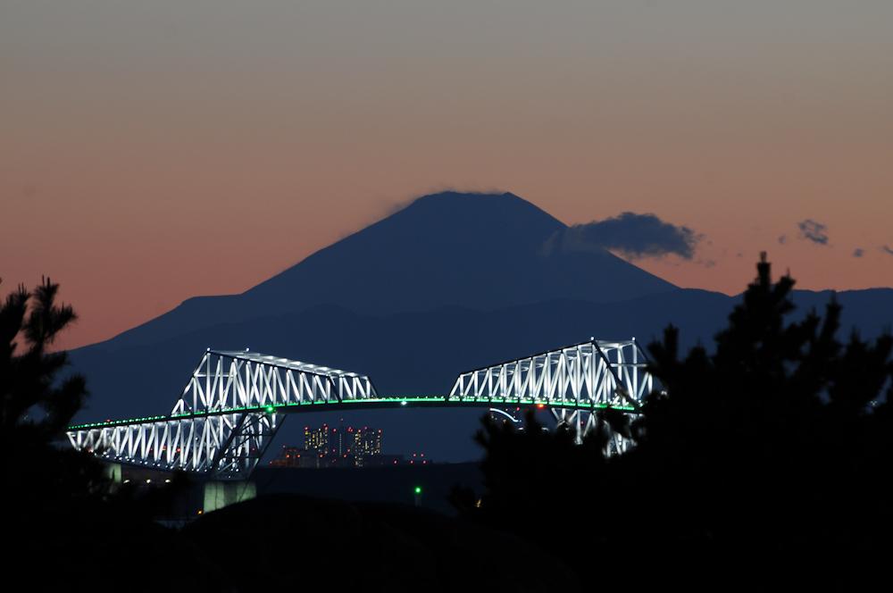Scheeverwehungen auf Fuji-san