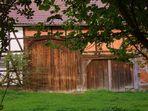 - Scheunentore auf einem Bauernhof- (1)