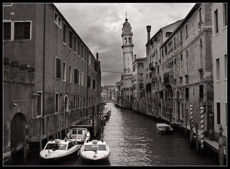Schiefe Türme gibts nicht nur in Pisa...[reload]
