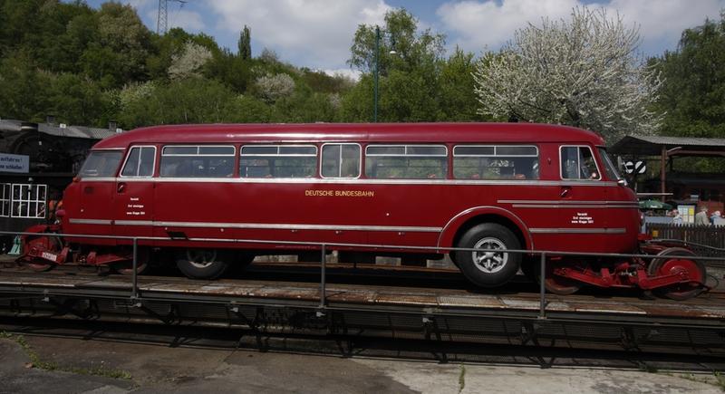 Schienen-Straßen-Omnibus NWF BS300
