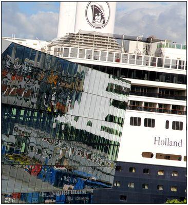 Schiff am Konzerthaus