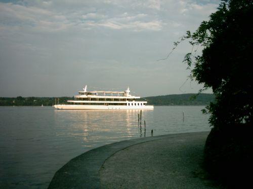 Schiff auf dem Starnberger See...