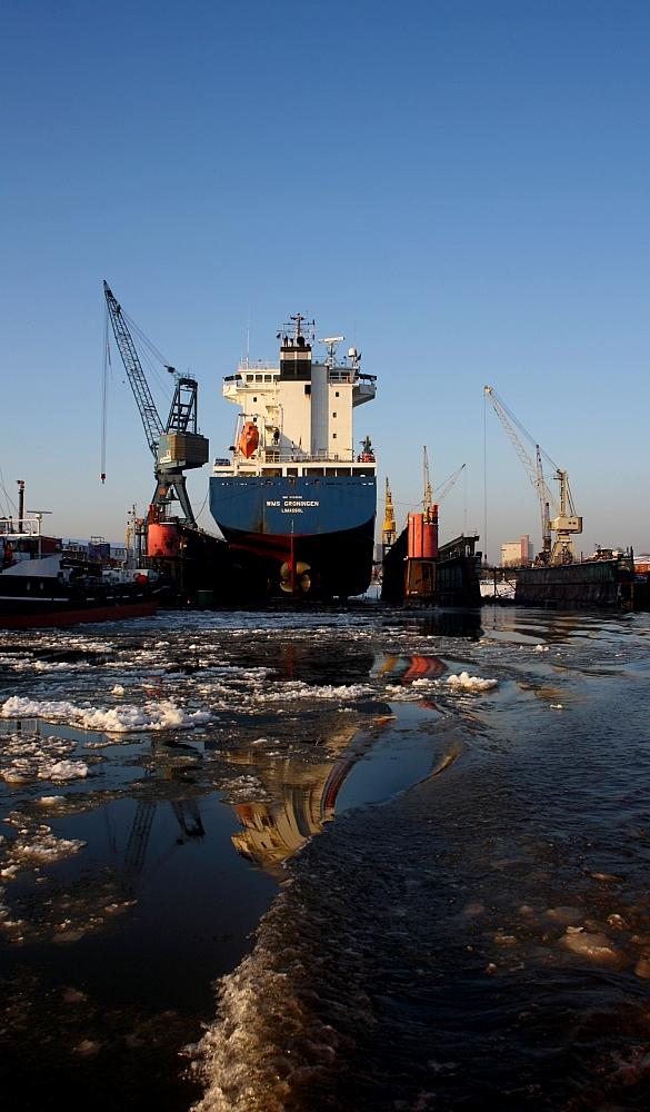 Schiff im Trocken-Dock