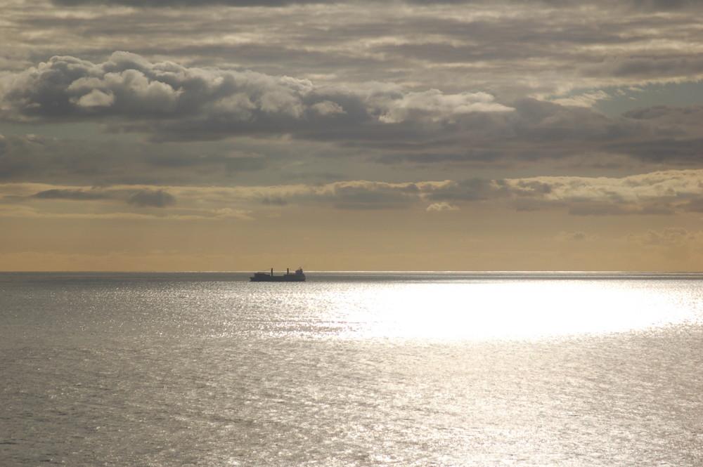 Schiff vor Sáo Miquel/Azoren