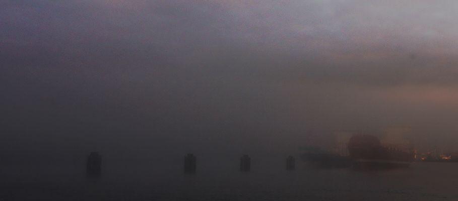 Schiffe im Nebel
