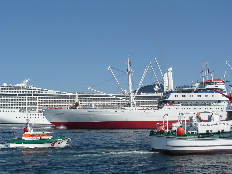 Schiffsaufgebot auf der Kieler Förde 07.07.2013