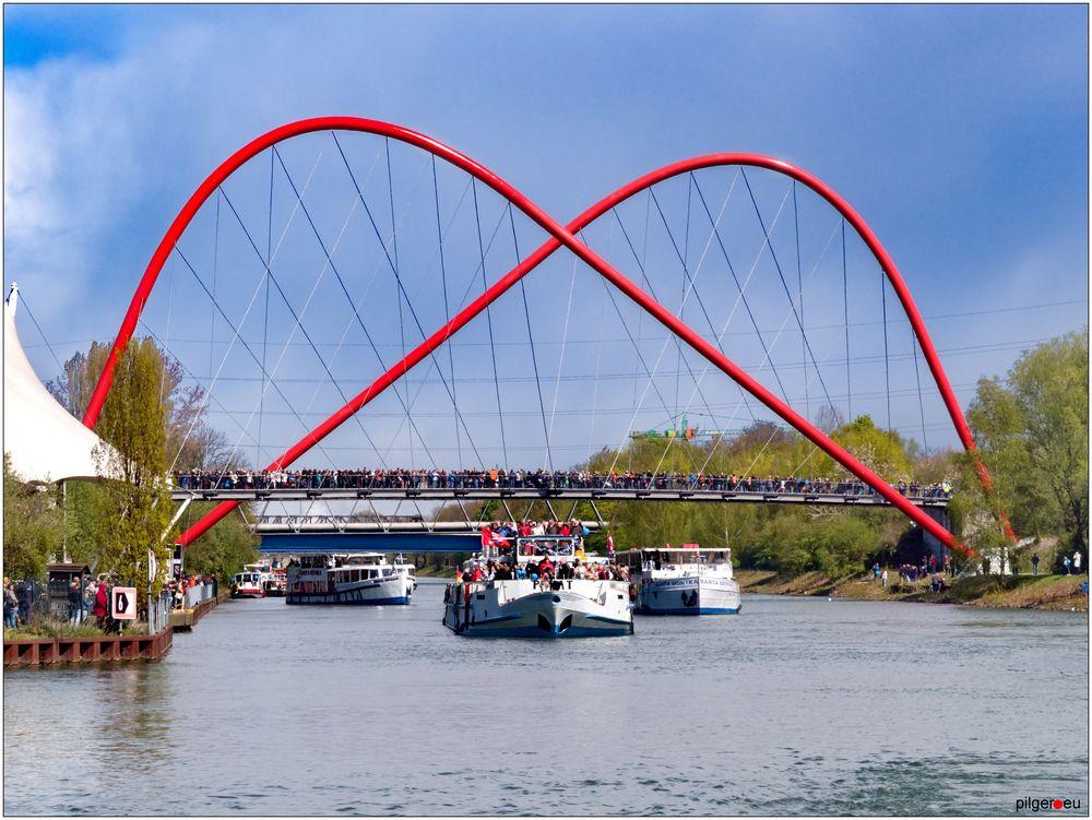 Schiffsparade auf dem Rhein-Herne-Kanal - 24.04.2016