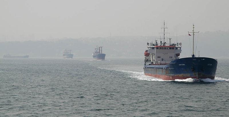 Schiffsverkehr am Bosporus