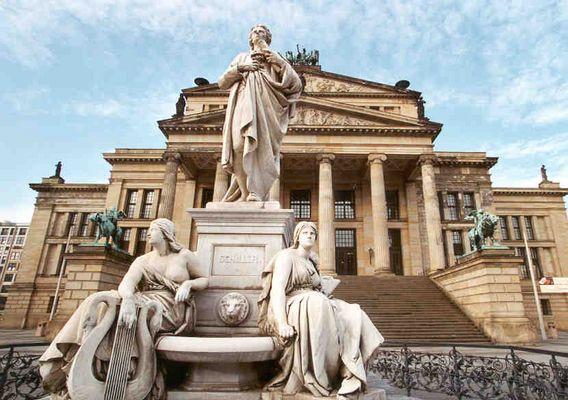 Schiller-Statue