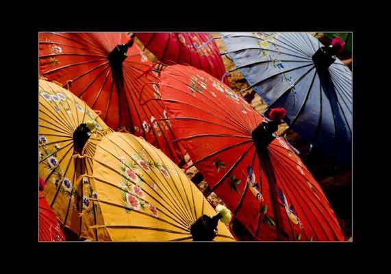 Schirme in Mandalay