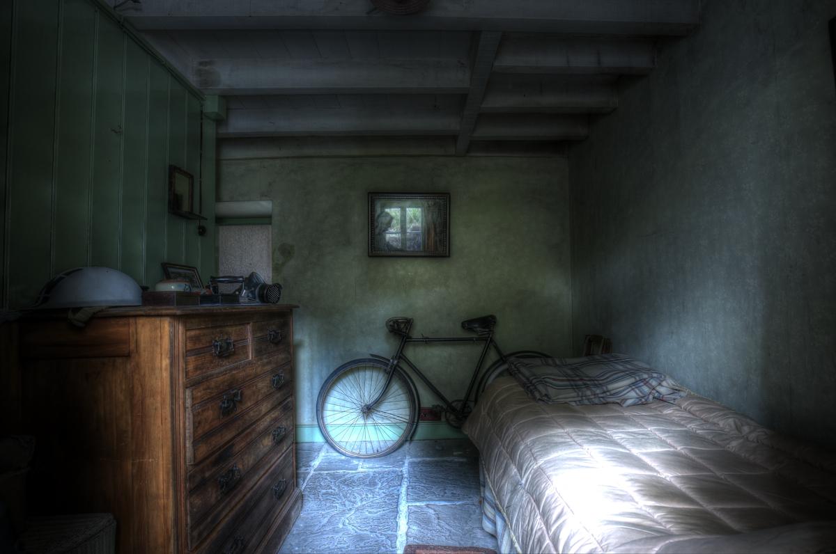 Schlafzimmer mit Fahrrad