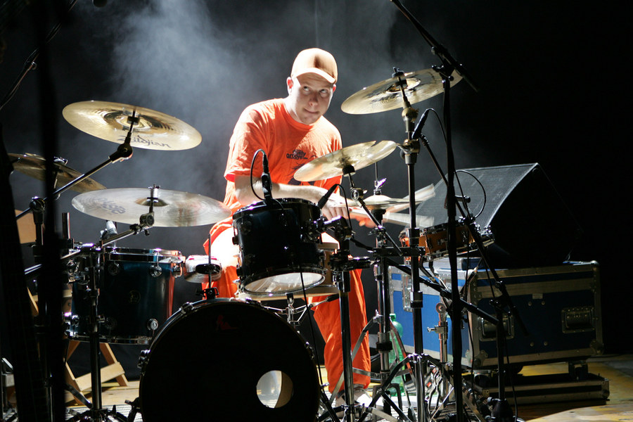 Schlagzeuger im Nebel...colorful funk