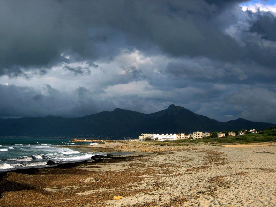 Schlechtes Wetter über Son Serra de Marina / Mallorca
