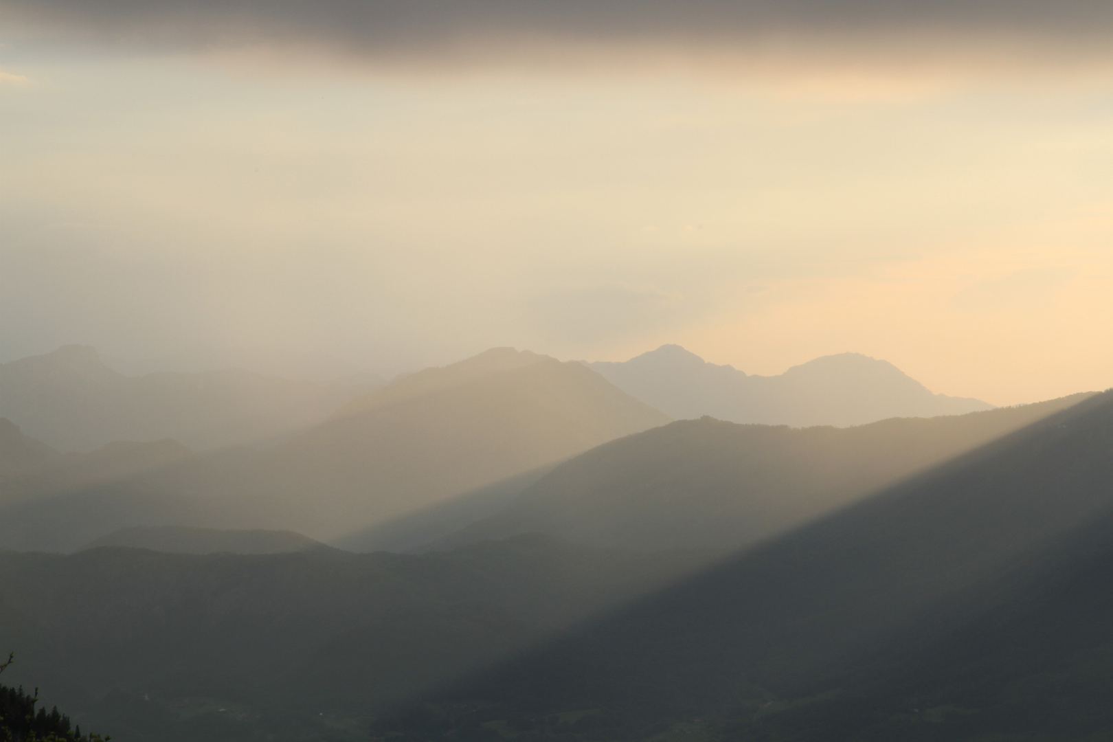 Schlechtwetterfront schluckt Sonnenlicht 3