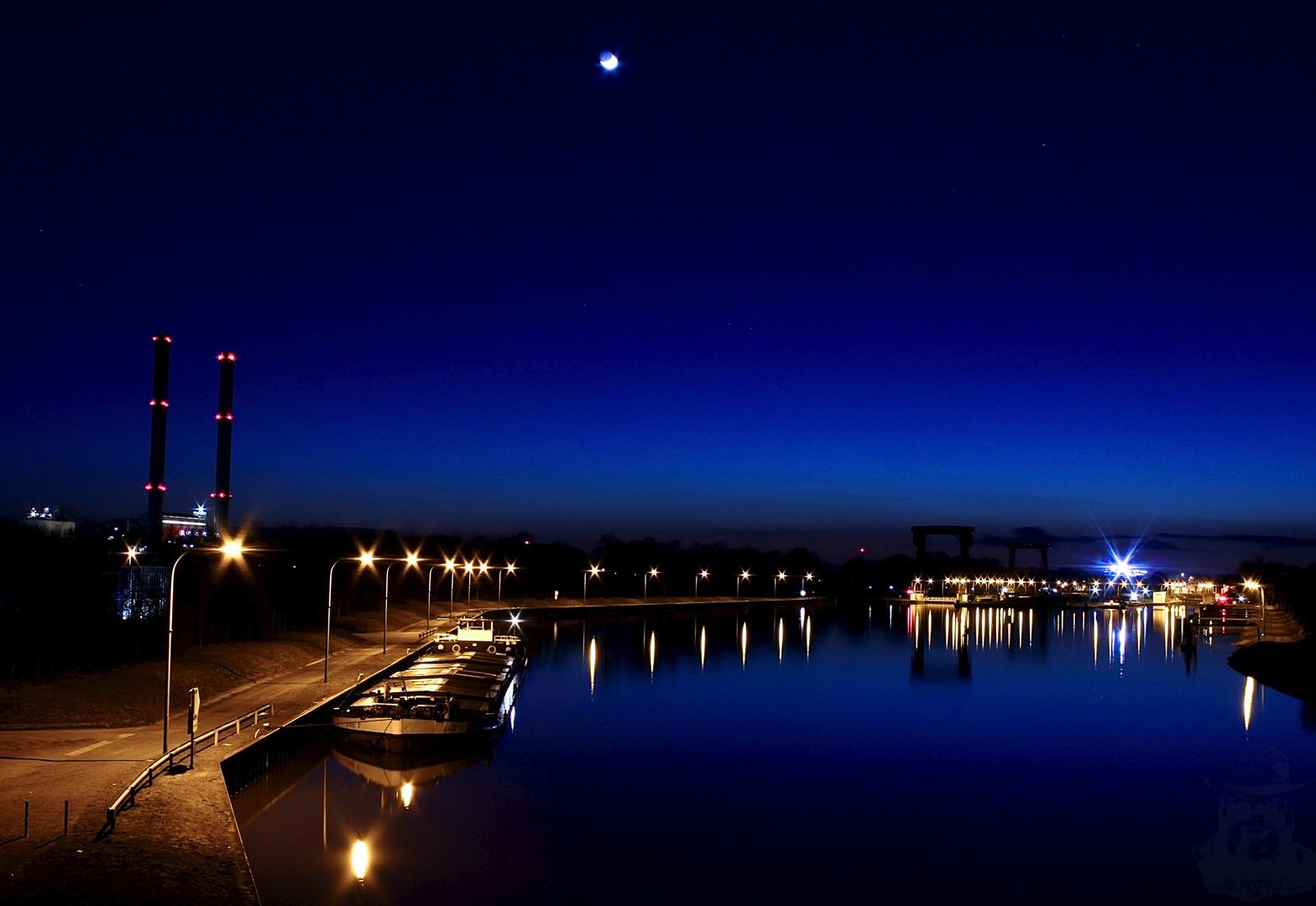 Schleuse Emmelsum ( Friedrichsfeld ) bei Nacht