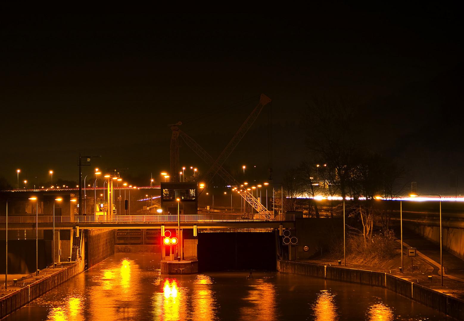 Schleuse in Esslingen am Neckar bei Nacht