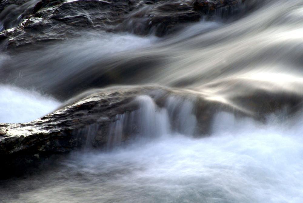 Schlicht Fels und Wasser