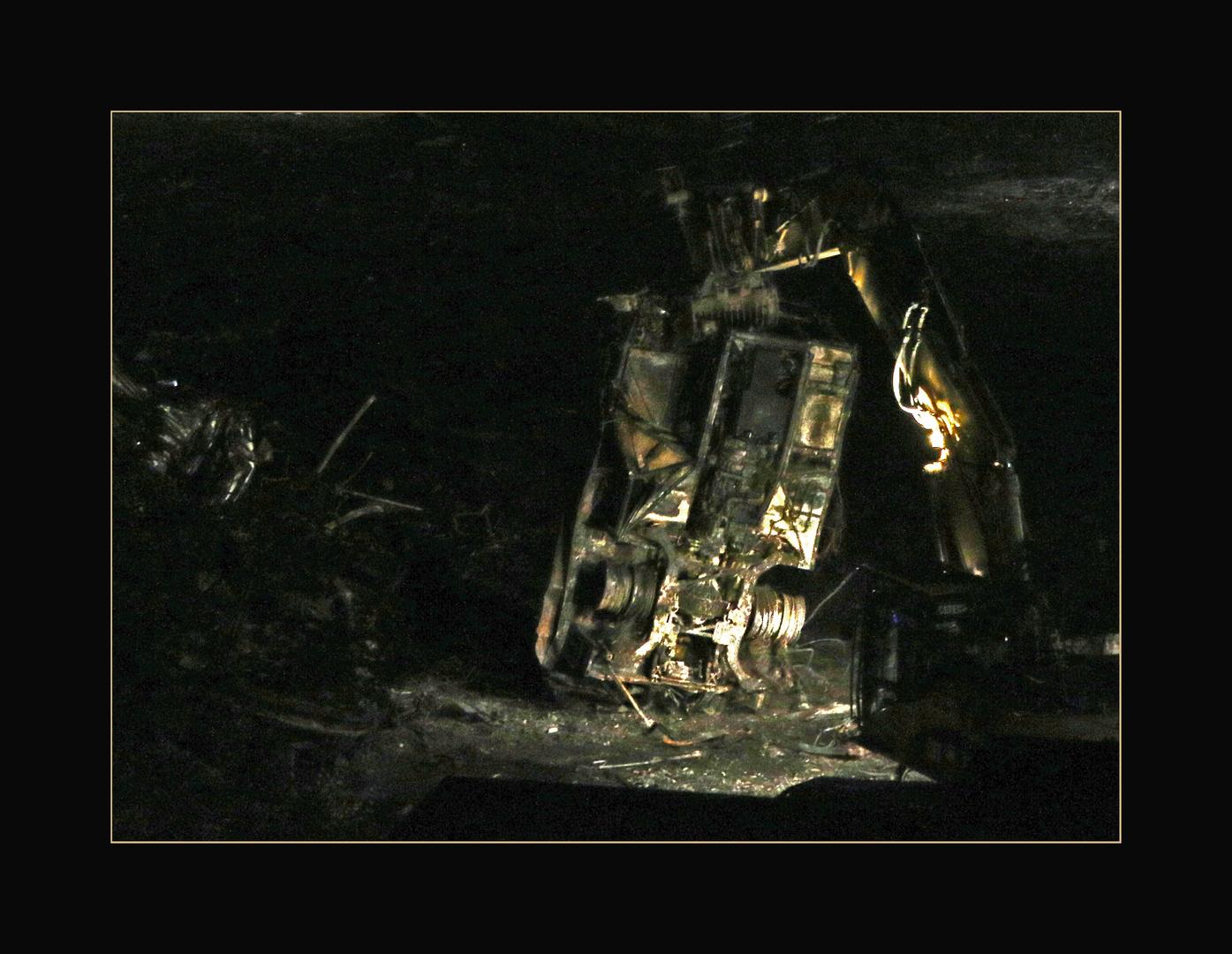 Schlieren Mitternacht: aufräumen nach Grossbrand (2)