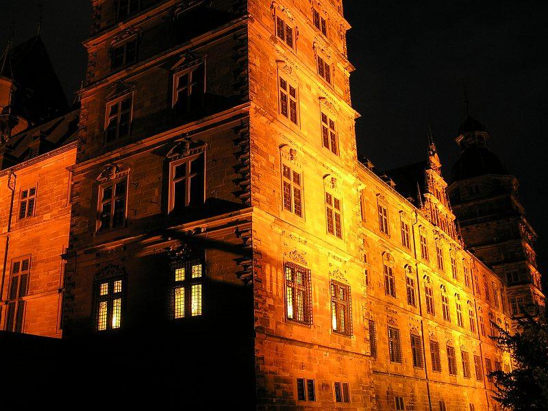 Schloss Aschaffenburg in Nachtbeleuchtung