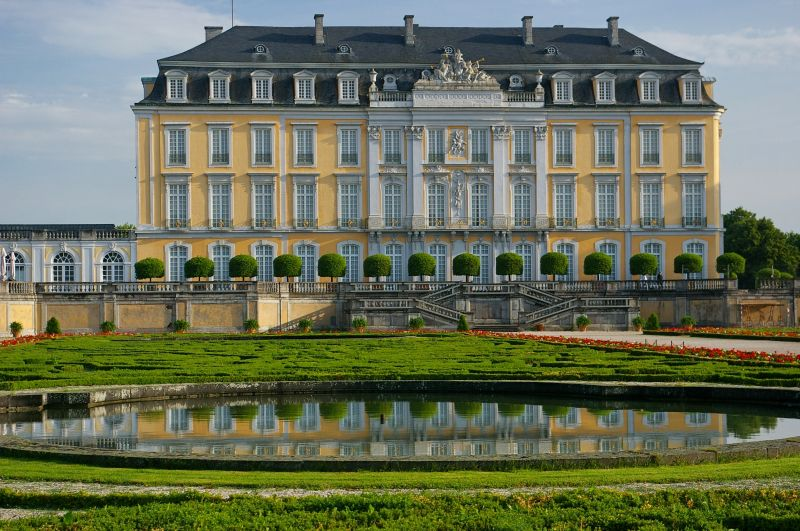schloss augustusburg in br hl foto bild architektur schl sser burgen profanbauten bilder. Black Bedroom Furniture Sets. Home Design Ideas
