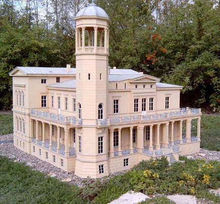 Schloss Berlin-Biesdorf