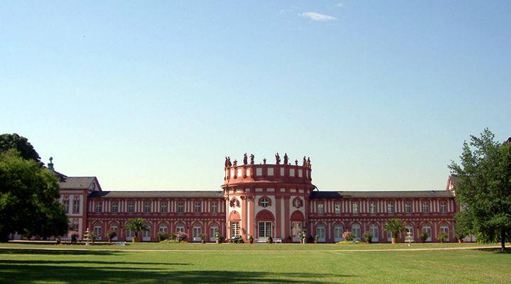 Schloss Biebrich - Vom Gartenhaus zum Stadtschloss