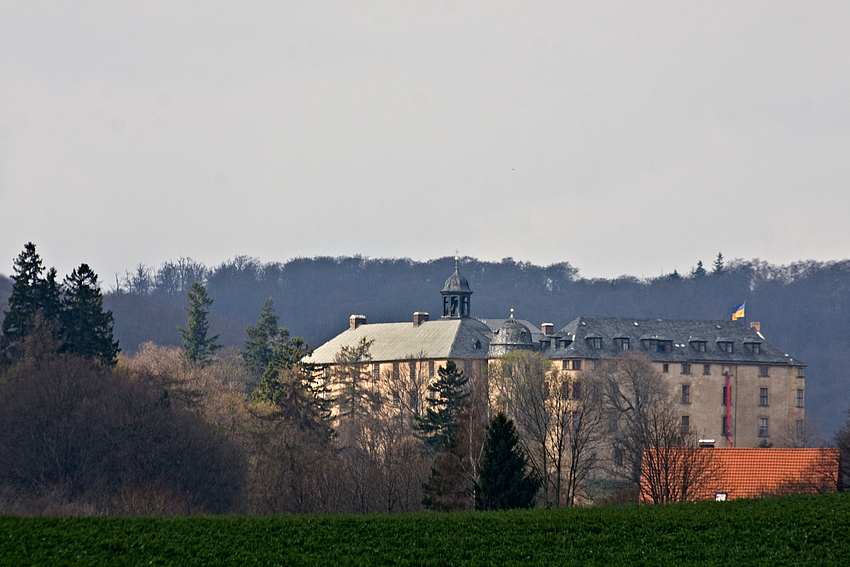 Schloß Blankenburg im Vorfrühling