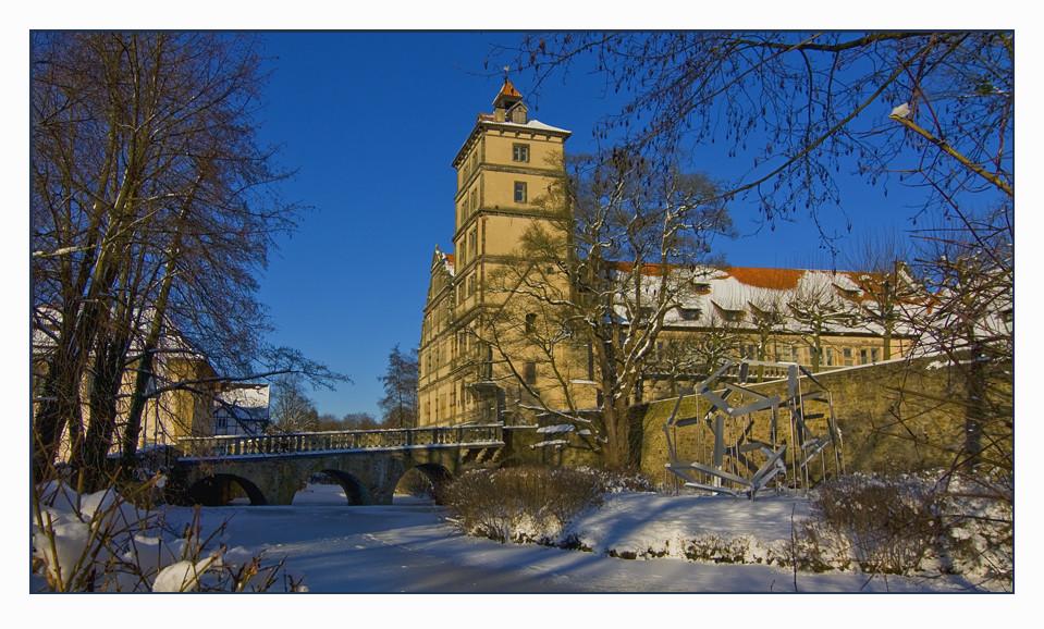 Schloss Brake im Winterkleid