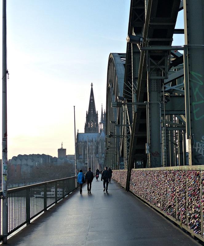 Schloss-Brücke!