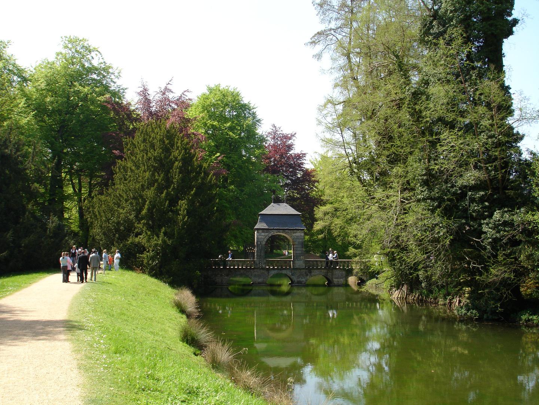 Schloss Dyck 05-2008 - Weg zum Schlossgarten