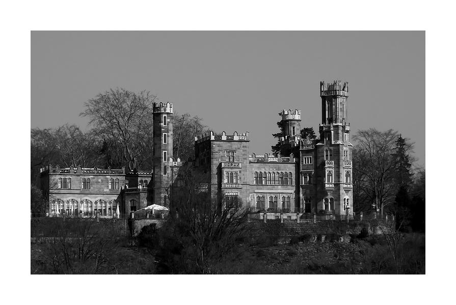 ...Schloss Eckberg...
