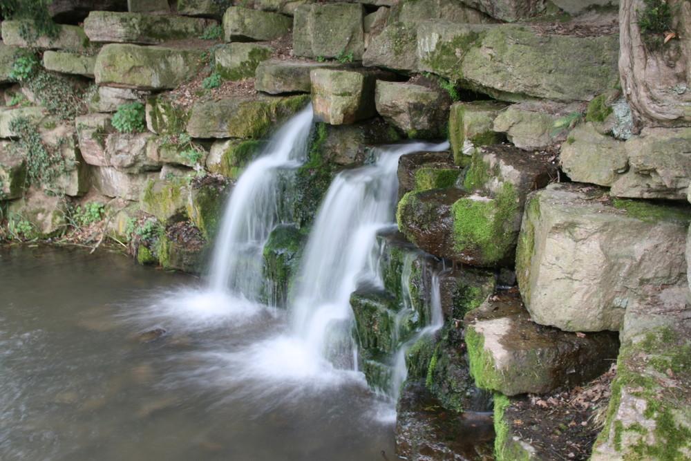 Schloss Faforit mini Wasserfall
