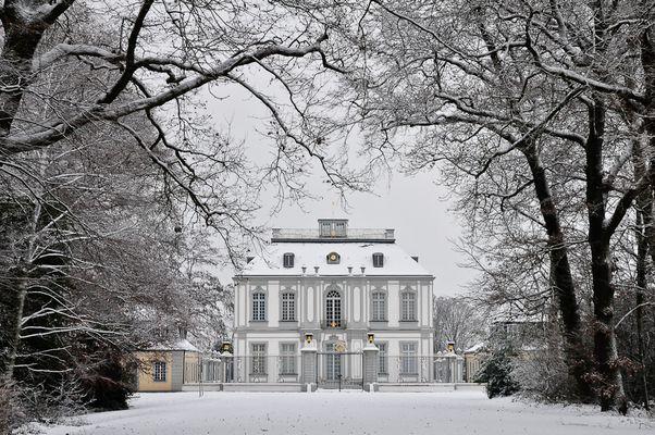 Schloss Falkenlust bei Brühl im Rheinland
