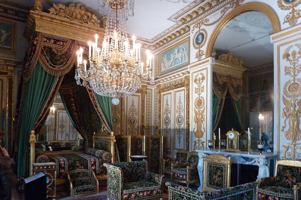 schloss fontainebleau schlafzimmer bett mit treppchen foto bild europe france paris. Black Bedroom Furniture Sets. Home Design Ideas