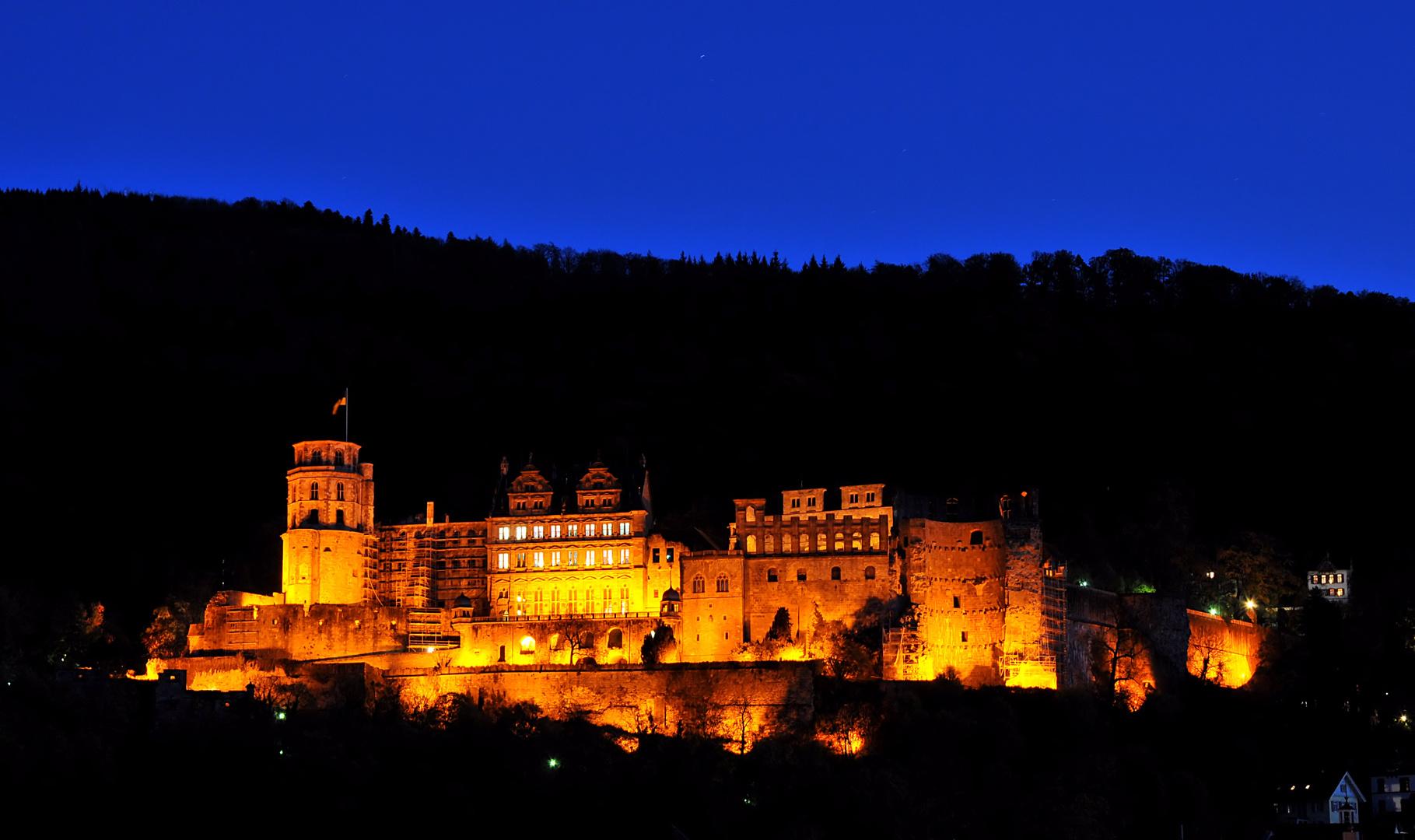 Schloss Heidelberg zur blauen Stunde