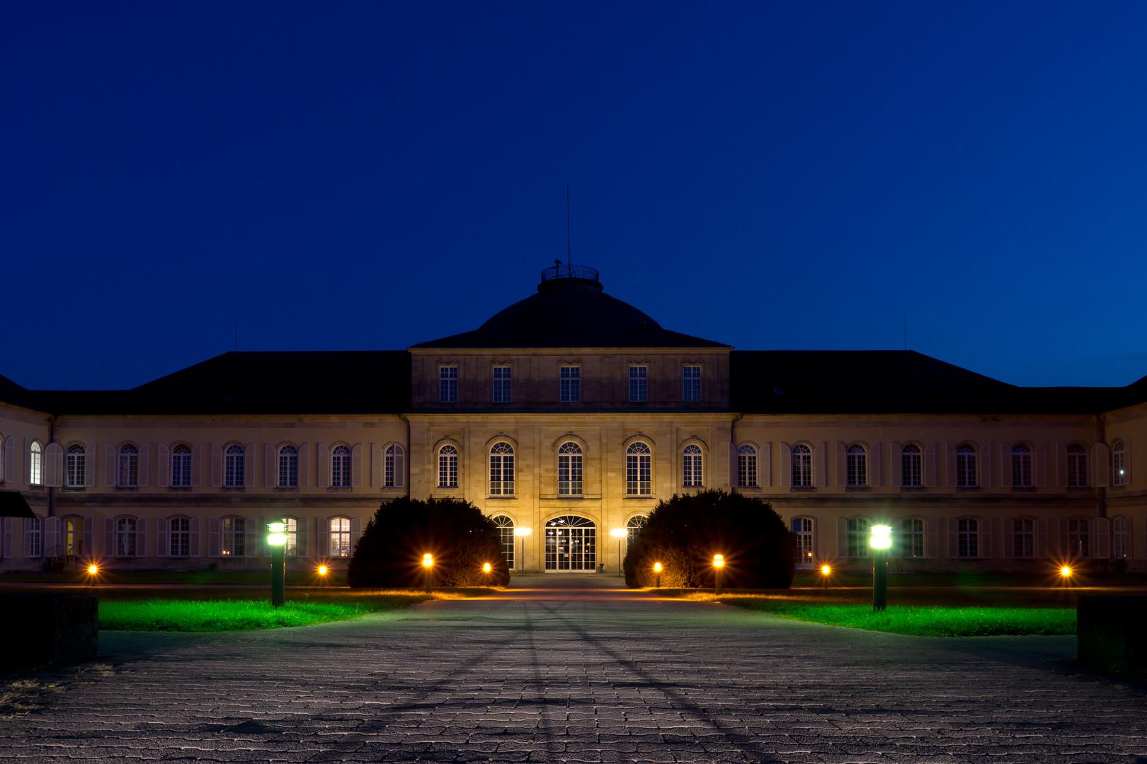 Schloss Hohenheim - Innenhof bei Dunkelheit